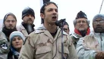 Amerikalı savaş gazisi Mike Prysner'ın Beyaz Saray'ın önünde yaptığı konuşma