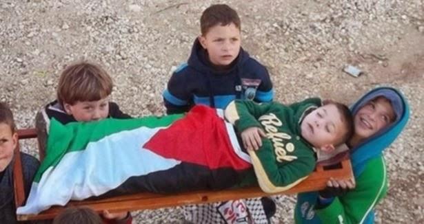 Gazzeli çocukların yeni oyunu: Şehitçilik