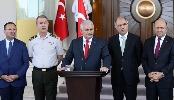Türkiye'de askerin siyasi rolü bitti mi? – Ali Bayramoğlu