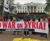 Savaş karşıtları, ABD'nin Suriye'yi vurmasını Beyaz Saray'ın önünde protesto ettiler!