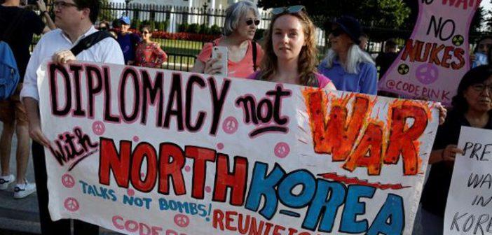 """Guam'da savaş karşıtı gösteri: """"Biz savaş istemiyoruz. Kuzey Kore'de de kimsenin zarar görmesini istemeyiz"""""""