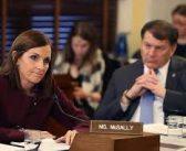 ABD'li senatör: Ordudayken üst düzey bir subayın tecavüzüne uğradım