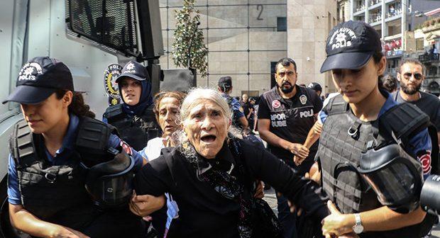 """Avrupa Parlamentosu: """"OHAL'in fiili olarak devam ettiği"""" Türkiye ile müzakereler askıya alınsın"""