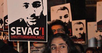 """""""Artık Ermeni çocuklar askere gitmekten korkuyor, hele bir de 24 Nisan'a rastlarsa, daha da korkuyor"""""""