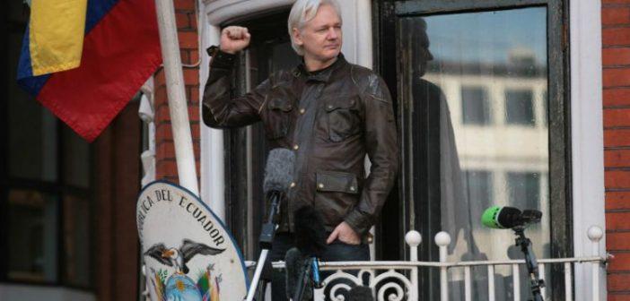 Egemenlerin Assange'a öfkesi, O'nun sistemin sinir uçlarına dokunduğunun kanıtıdır – Slavoj Zizek