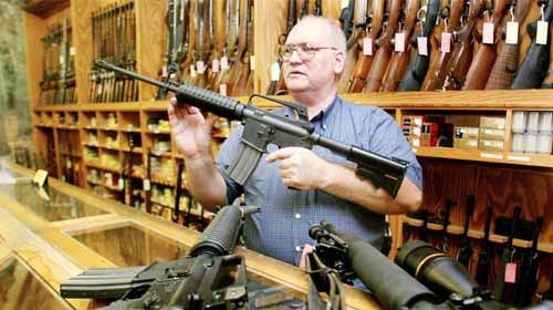 Salgının büyüyeceği ve kamu düzeninin bozulacağı korkusu ABD'lileri silah satın almaya yöneltti