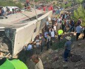 """Asker taşıyan otobüs """"kaza"""" yaptı, 4 asker öldü, 10'u ağır 26 asker de yaralandı"""