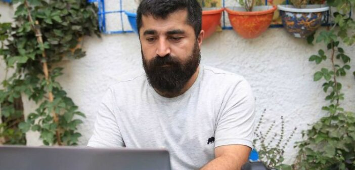 Vicdani retçi Zana Aksu'ya hapis ve para cezası